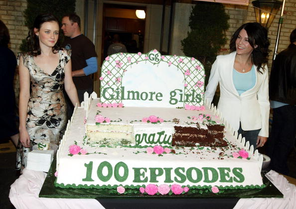 See First Picture From 'Gilmore Girls' Reboot!!