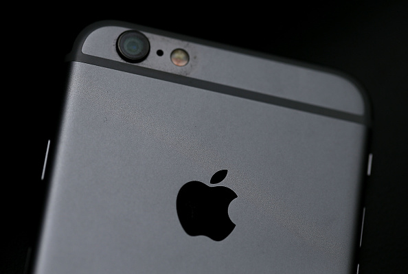 Apple to cut iPhone 6s orders by 30%